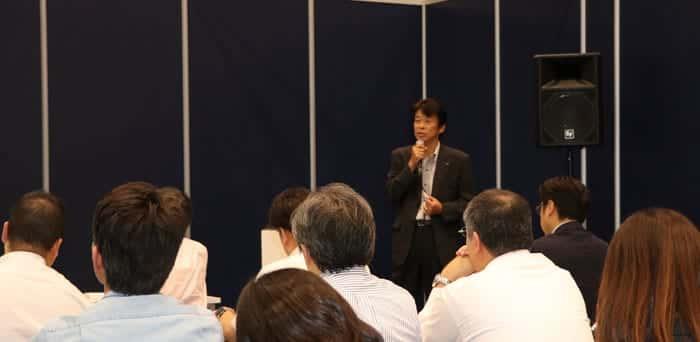 オムロン ヘルスケア株式会社 データソリューション課長 松田 高明氏の登壇風景